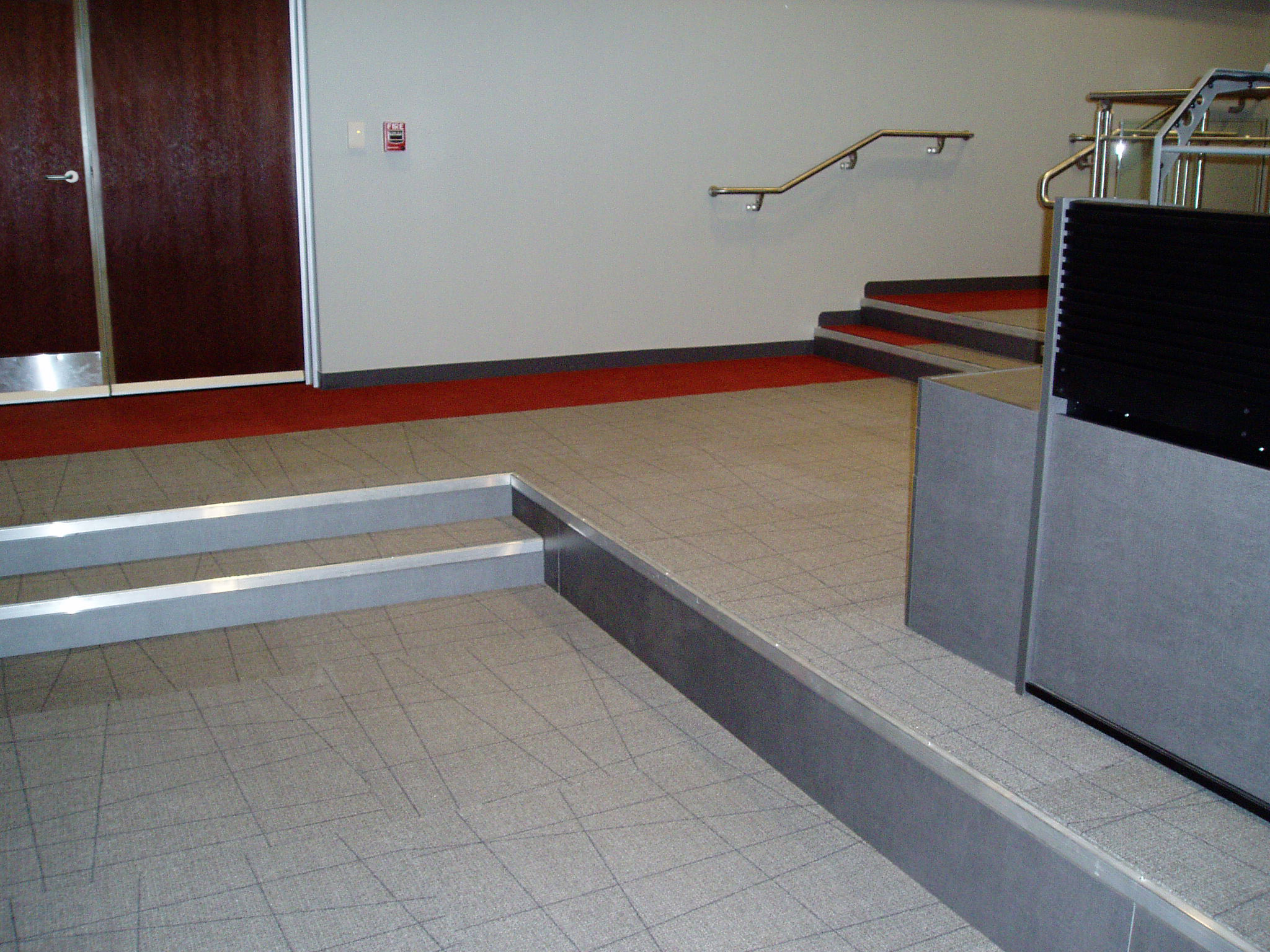 Raised flooring design installation repair maintenance for Flooring surfaces