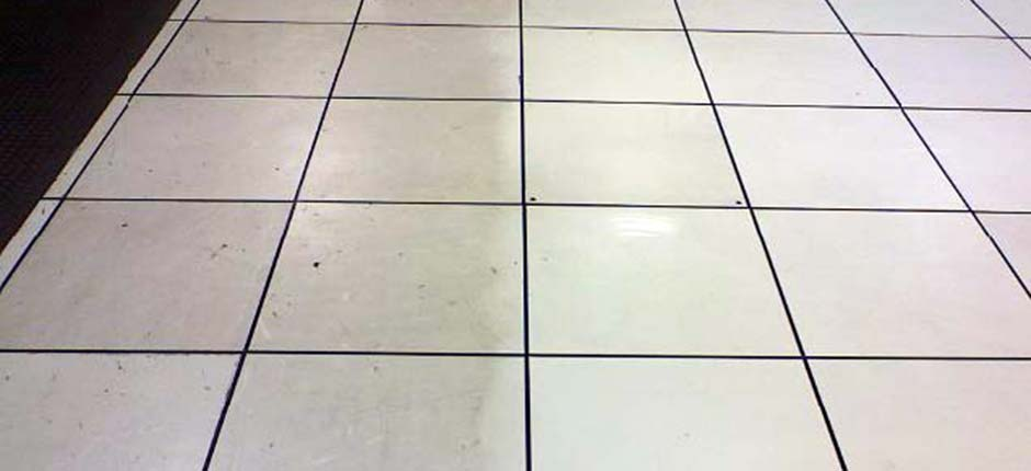 Before and after raised floor cleaning by Smart Space Solutions, Inc. of Maryland